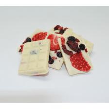 Mendiants aux fruits rouges et chocolat blanc